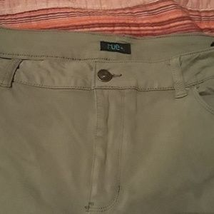 Rue21 olive stretch jegging 18s